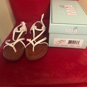 Mia Girl white strappy sandal sz 6.5